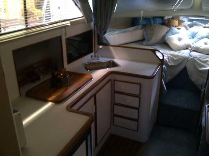 1992 Chris Craft Grew  with 2009 Crown trailer 295 Chris Craft Grew Classic Photo 3 of 5