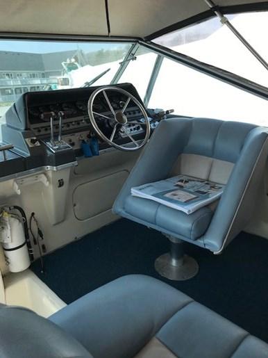 1986 Cruisers Yachts 297 Elegante Photo 5 sur 12