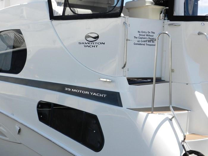 2004 Silverton 39 Motor Yacht Photo 5 of 84