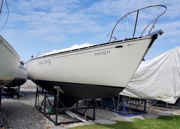 1977 Ontario Yachts 32 Sloop Photo 1 of 19