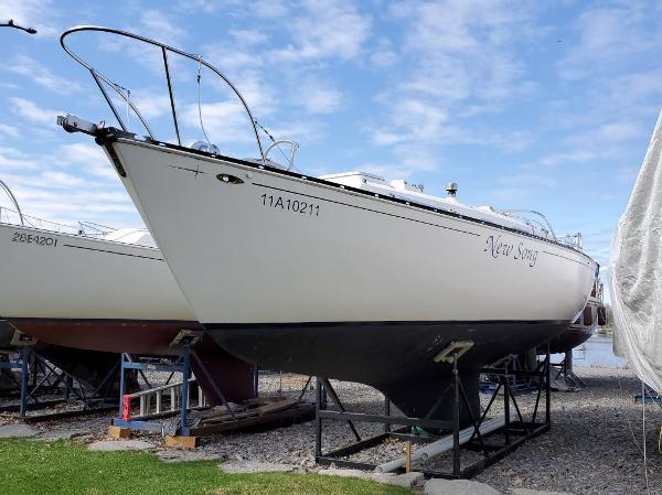 1977 Ontario Yachts 32 Sloop Photo 2 of 19
