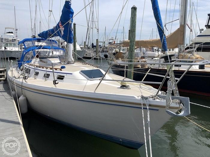 1988 Catalina 34 Tall Rig Photo 2 of 20
