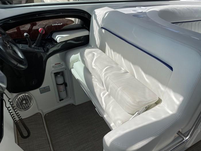 2002 Cobalt 360 luxury sport cruiser 1 owner fresh water 60mph Photo 8 sur 53