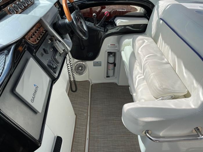 2002 Cobalt 360 luxury sport cruiser 1 owner fresh water 60mph Photo 11 sur 53