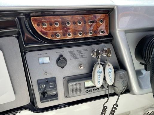 2002 Cobalt 360 luxury sport cruiser 1 owner fresh water 60mph Photo 10 sur 53