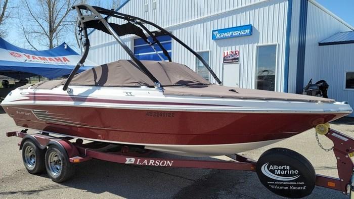 2012 Larson LX 2150 Photo 2 of 14