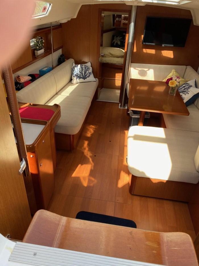 2008 Beneteau Oceanis 40 Photo 13 of 32