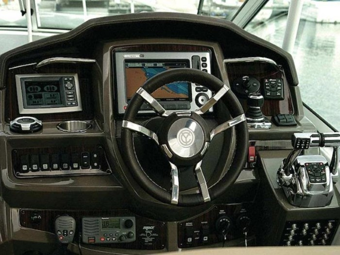 2021 Cruisers Yachts 35 Express Photo 5 sur 6