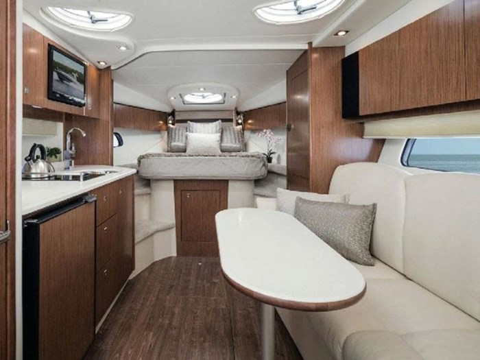 2021 Cruisers Yachts 35 Express Photo 6 sur 6