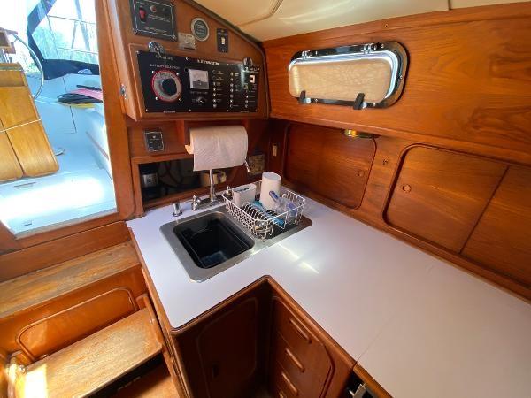 1982 Irwin Yachts Citation II Photo 23 of 68