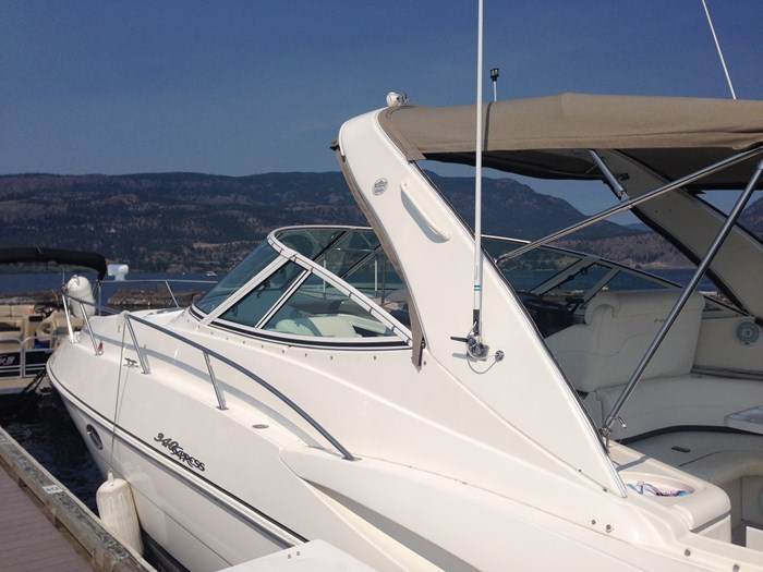 2007 Cruisers Yachts 340 Express Photo 5 sur 30