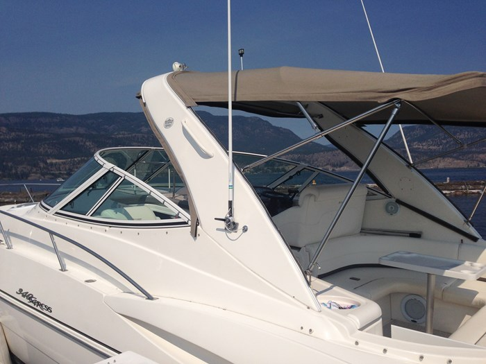 2007 Cruisers Yachts 340 Express Photo 6 sur 30