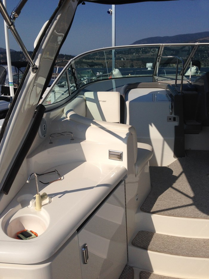 2007 Cruisers Yachts 340 Express Photo 9 sur 30