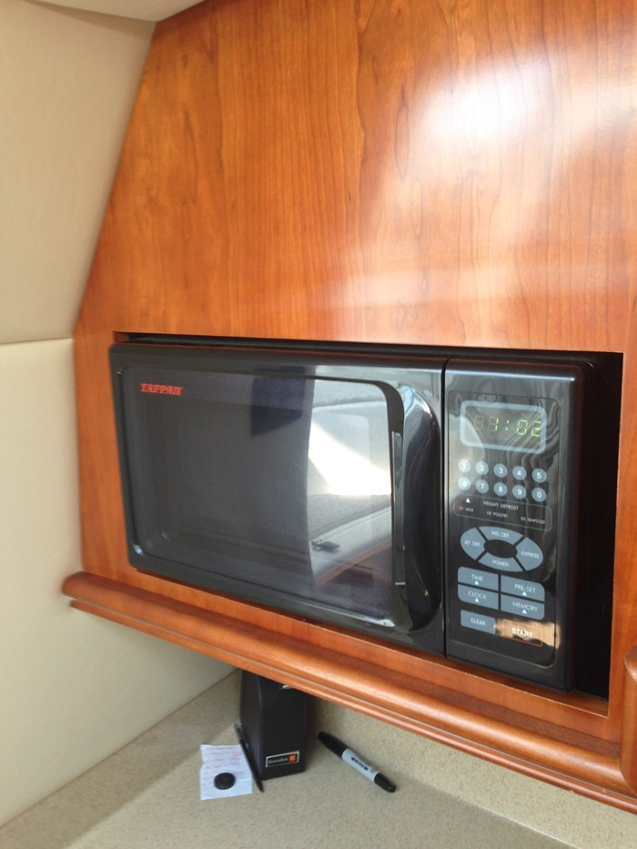 2007 Cruisers Yachts 340 Express Photo 17 sur 30