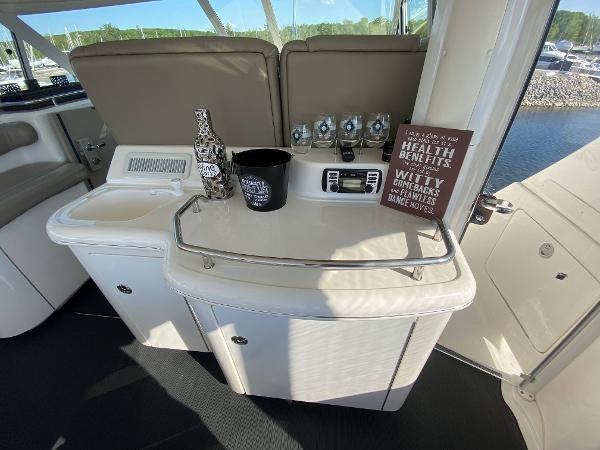 2002 Sea Ray 480 Motor Yacht Photo 13 of 68