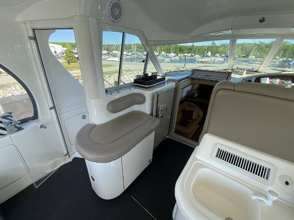 2002 Sea Ray 480 Motor Yacht Photo 15 of 68