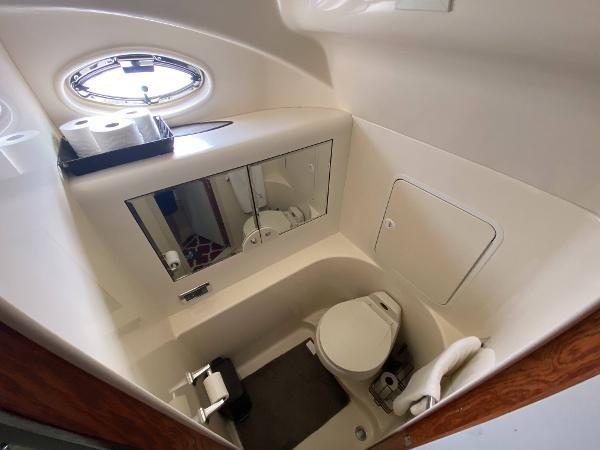 2002 Sea Ray 480 Motor Yacht Photo 37 of 68
