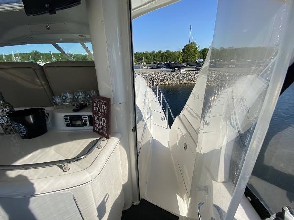 2002 Sea Ray 480 Motor Yacht Photo 59 of 68