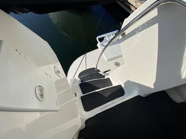 2002 Sea Ray 480 Motor Yacht Photo 66 of 68