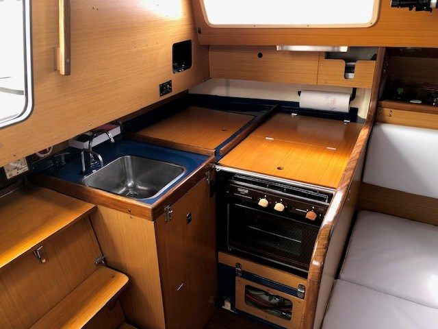 1984 Dufour Yachts 3800 Photo 7 of 13