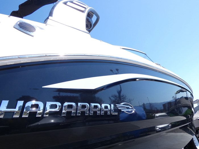 2018 Chaparral 246 SSI Deluxe Photo 2 of 24