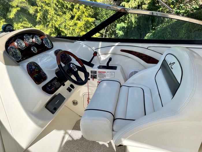 2005 Sea Ray 290 Bow Rider SLX Photo 37 sur 76