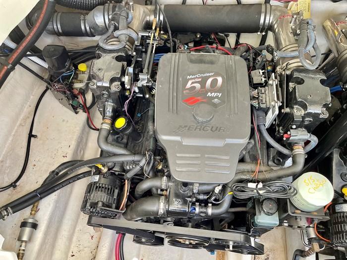 2005 Sea Ray 290 Bow Rider SLX Photo 67 sur 76