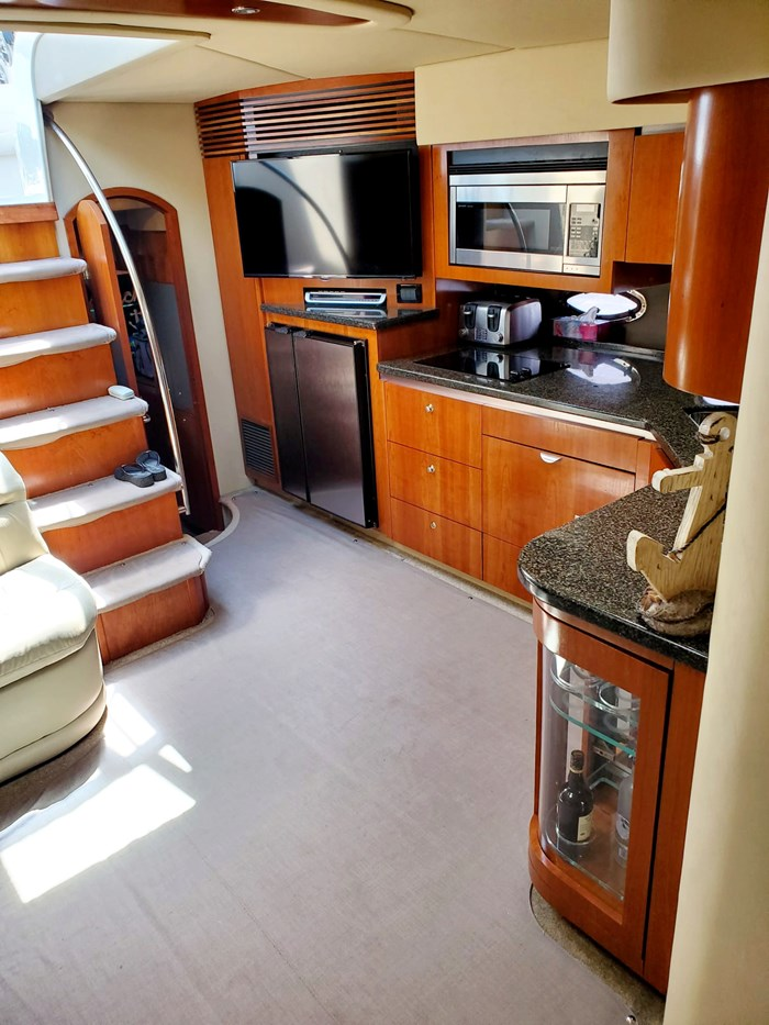 2005 Cruisers Yachts 500 Express Photo 29 of 44