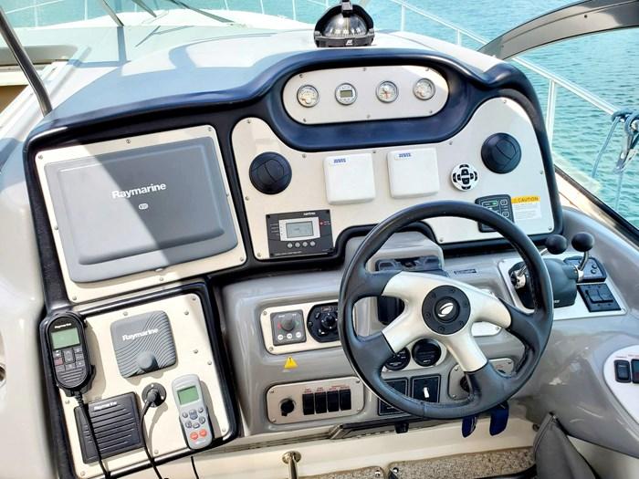 2005 Cruisers Yachts 500 Express Photo 14 of 44