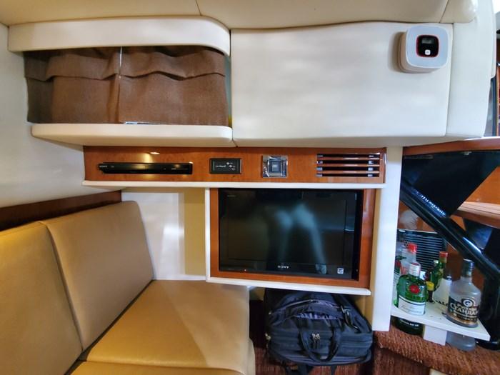 2012 Sea Ray 390 Sundancer Photo 65 of 100