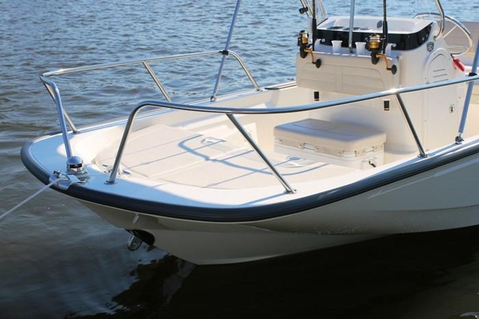 2021 Boston Whaler 150 Montauk Photo 9 sur 10