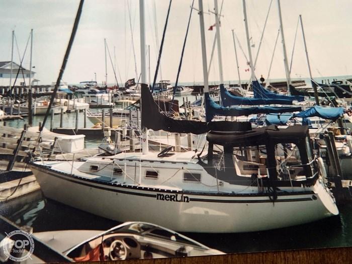 1980 Hunter 30 Photo 2 sur 20