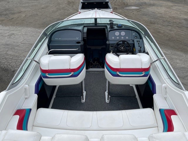 1996 Formula Thunderbird 27' Photo 12 of 21