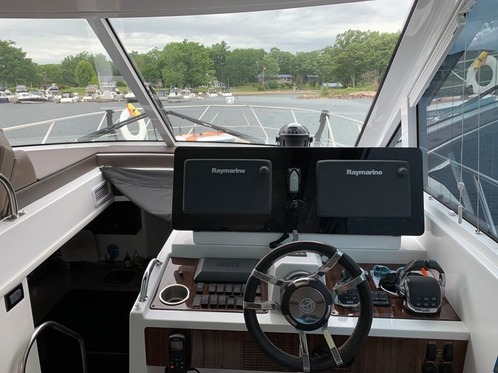 2014 Cruisers Yachts Cantius 48 Photo 23 of 23