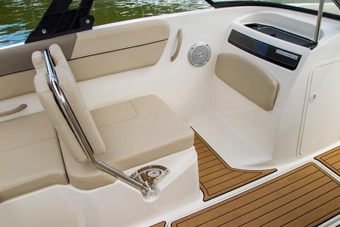 2021 Bayliner VR6 Bowrider - Outboard Photo 15 sur 27