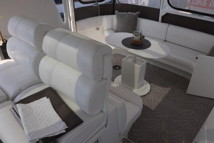 2008 Cruisers Yachts Cruisers 455 Photo 21 of 62