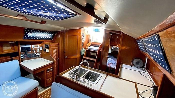 1990 Ericson Yachts 38-300 Photo 3 sur 20