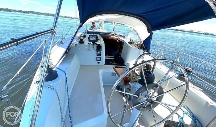 1990 Ericson Yachts 38-300 Photo 7 sur 20