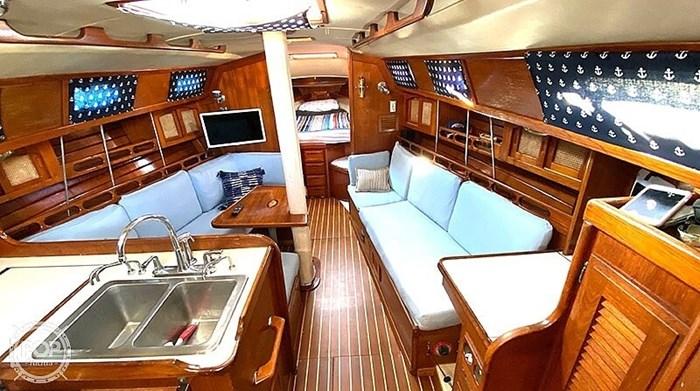 1990 Ericson Yachts 38-300 Photo 9 sur 20