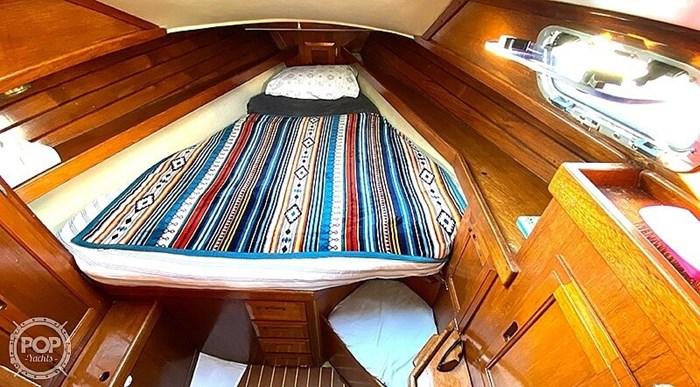 1990 Ericson Yachts 38-300 Photo 10 sur 20