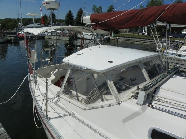 1985 CS Yachts 36 Sloop Photo 6 of 24