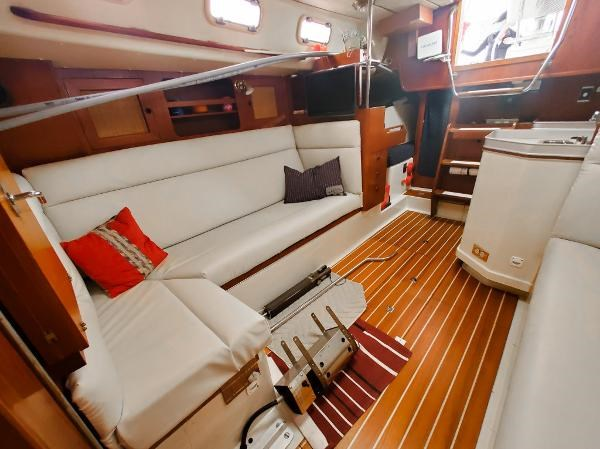 1985 CS Yachts 36 Sloop Photo 13 of 24