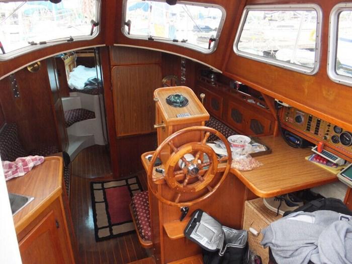 1987 Gulf by Capital Yachts Gulf 32 Photo 4 of 4