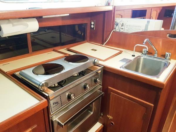 1984 Aloha Yachts 32 Sloop Photo 24 of 30