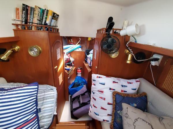 1984 Aloha Yachts 32 Sloop Photo 20 of 30