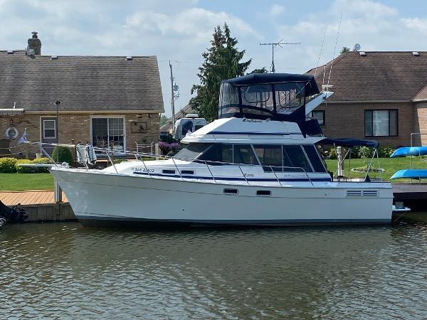 1989 Bayliner 3288 Motoryacht Photo 4 sur 42