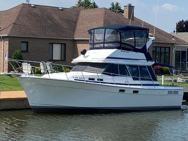 1989 Bayliner 3288 Motoryacht Photo 5 sur 42