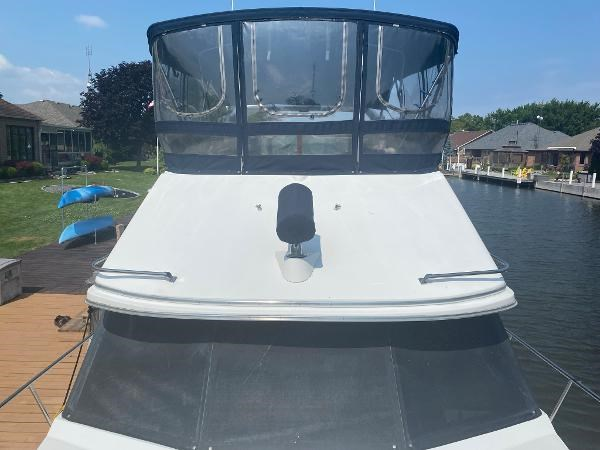 1989 Bayliner 3288 Motoryacht Photo 8 sur 42