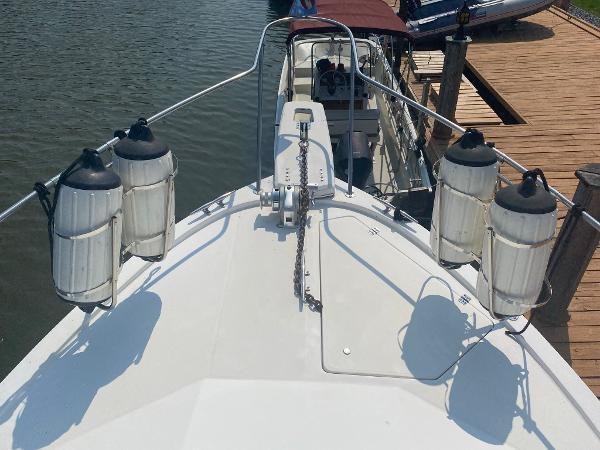 1989 Bayliner 3288 Motoryacht Photo 12 sur 42