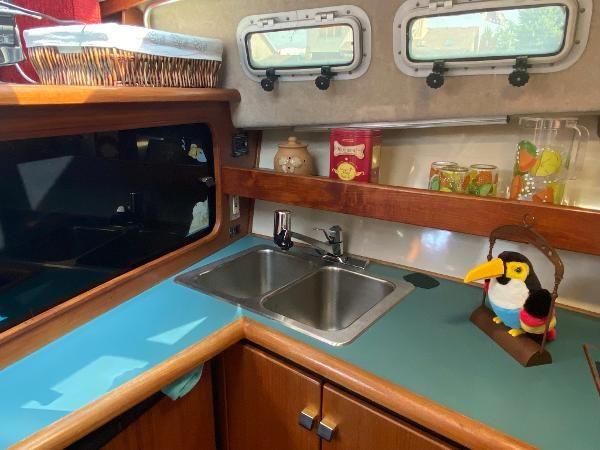 1989 Bayliner 3288 Motoryacht Photo 25 sur 42